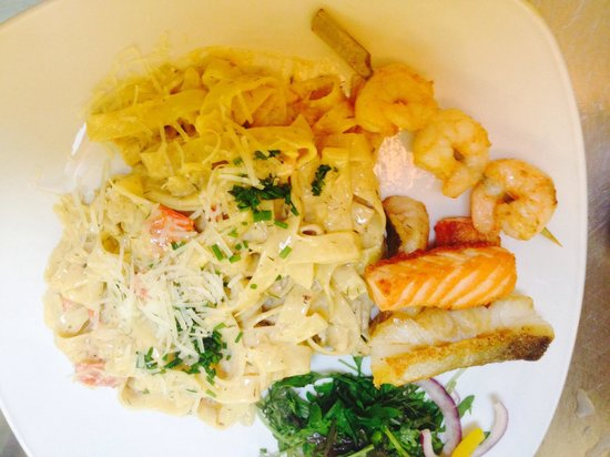 Flanagans Pub : Clarks of ballina cod, salmon & prawn in our seafood pasta.