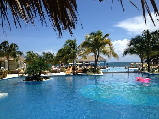 Iberostar Grand Hotel Rose Hall: Pool View
