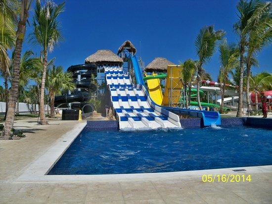 royalton punta cana resort & casino 23000