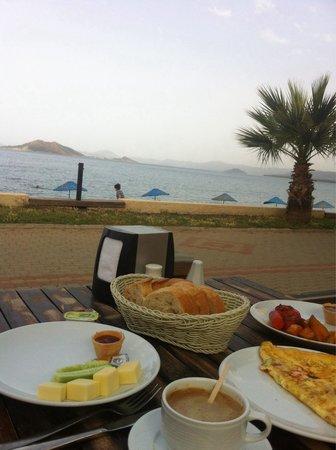 Manas Park Calis: Kann man schöner frühstücken?
