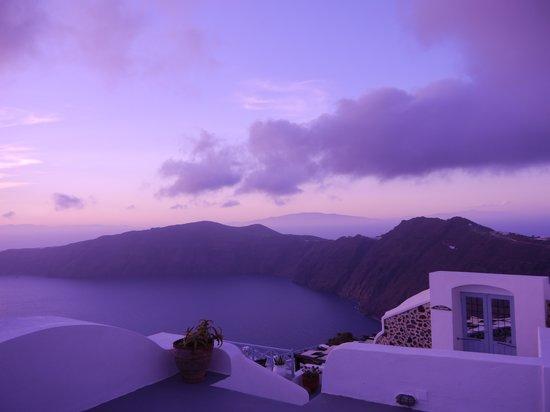 Afroessa Hotel : dramatic sunset