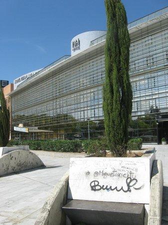 NH Sevilla Plaza de Armas: Hotel from square