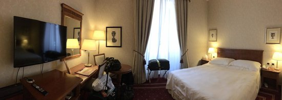 Empire Palace Hotel: A pano of our rom