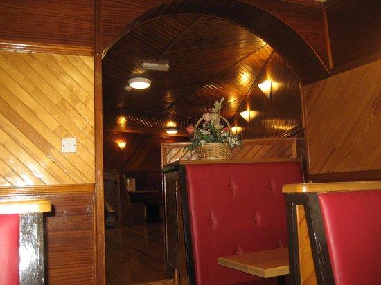 Roadside Cafe: Inside