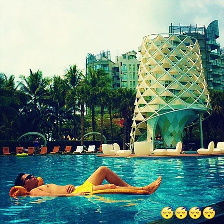 W Singapore Sentosa Cove: Define this!