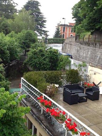 Locanda Milano 1873 : Common terrace area (great for an Italian wine & cheese party!)