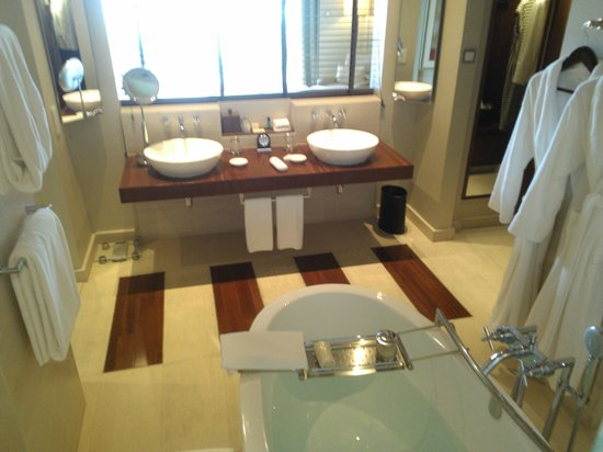 Park Hyatt Dubai : Bathroom