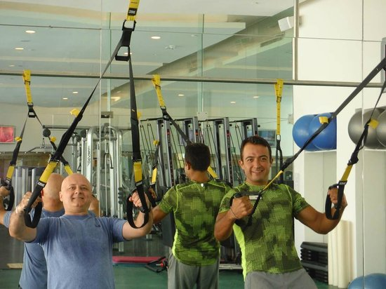 Le Blanc Spa Resort: TRX Class with Daniel and Marisol