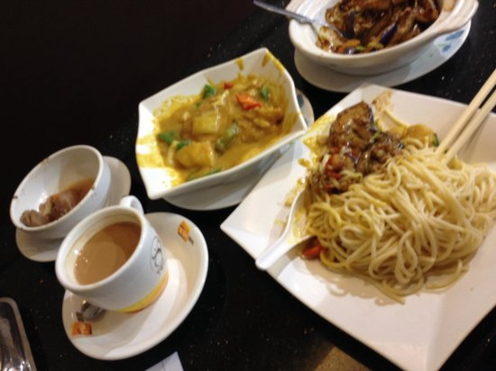 The Wharney Guang Dong Hotel Hong Kong: Cheap and delicious local fare