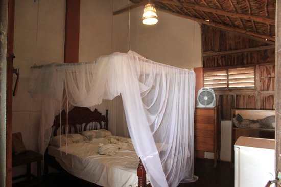 Nordin's Lodge: кровать