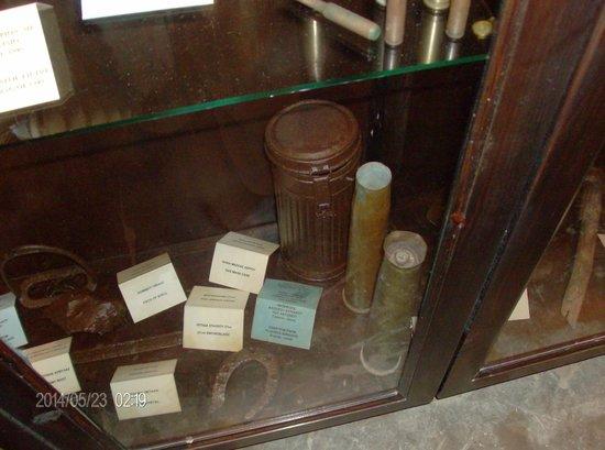 Leros War Museum: εκθεματα δευτερου παγκοσμιου πολεμου