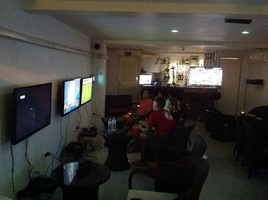 Samui Gaming Lounge And Bar: Inside the Lounge