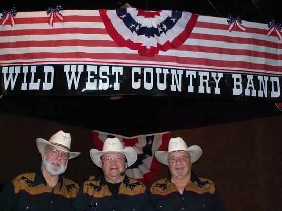 I and J Fountain Restaurant : Wild Weest Country Band