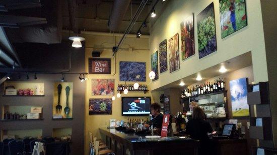 Stefano's: The bar area