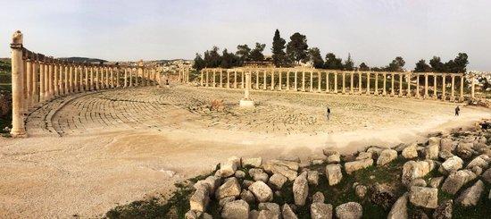 Ruinas de Jerash: The Oval Forum in Jerash