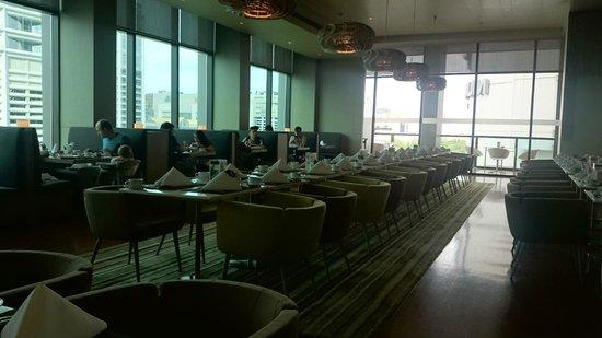 Novotel Bangkok Platinum Pratunam: SQUARE breakfast buffet area