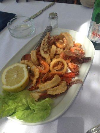 Lo Scoglio da Tommaso: frittura calamari e gamberi