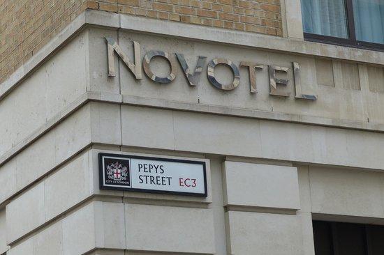 Novotel London Tower Bridge: Novotel Sign