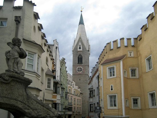 Chiesa di San Michele Arcangelo: La Torre Bianca