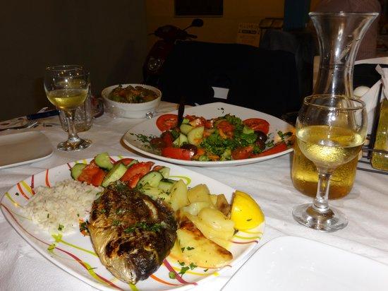 Hellinikon Taverna: Mouthwatering fish