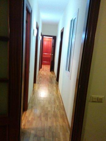 Alguera Apartments Napols: passage