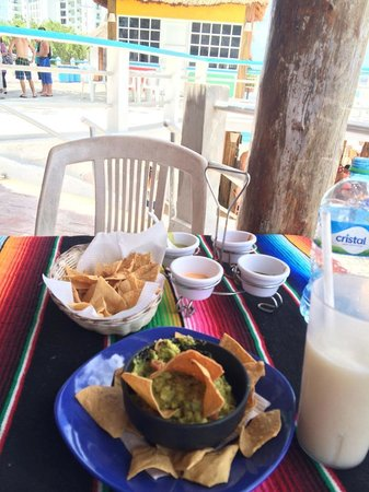 Sunset Beach: Great food and Pina Coladas are a MUST!