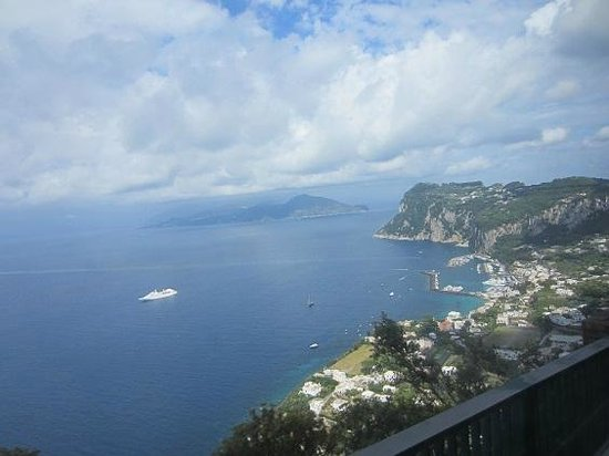 Caverns picture of isle of capri and ana capri capri for Isle of capri tours