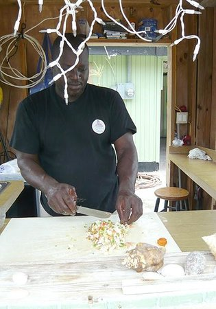 Yardie's Restaurant, Bar and Conch Stand : Derek making his famous conch salad
