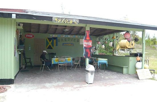 Yardie's Restaurant, Bar and Conch Stand : Yardie's Dining Room