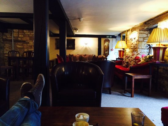 White Hart Royal Hotel and Eatery: The lounge....