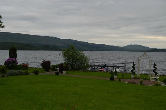 Culag Lochside Guest House: The Loch