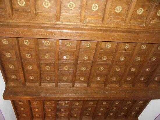 Il Guelfo Bianco: Ceiling treatment