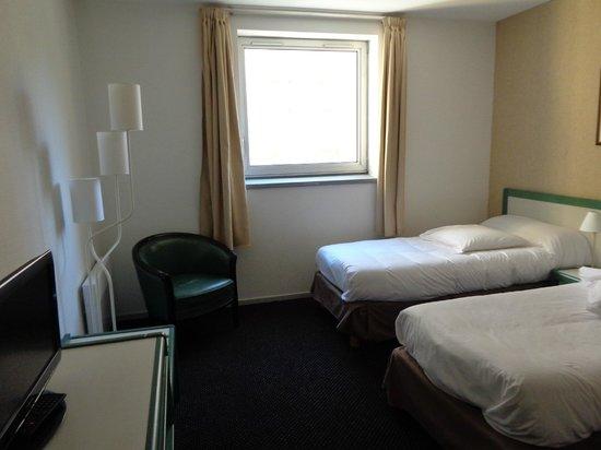Hotel Paradis: Chambre agréable