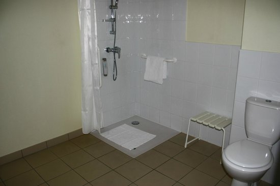 Ibis Lyon Est Beynost A42 : Baño