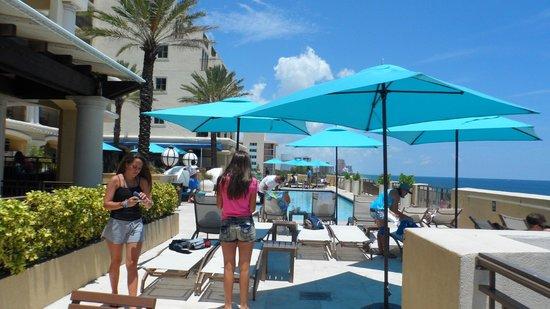 Atlantic Hotel & Spa: pileta en la terraza