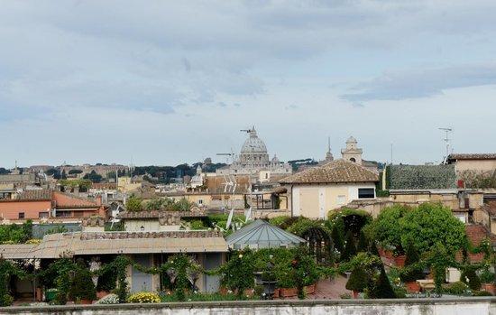 Colonna Palace Hotel : Vista desde la terraza donde se sirve el desayuno