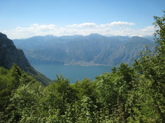 Monte Baldo: Una finestra sul Lago di Garda