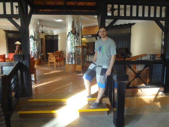 Patong Beach Hotel: lobby