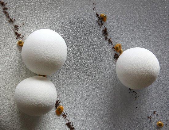 Restaurant Le Clos des Sens : Bataille de boule de neige