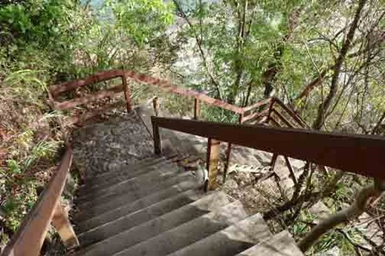 Ti Kaye Resort & Spa : Infamous beach stairs