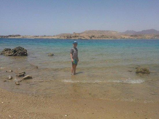 Aqua Blu Sharm: Beach at the sister hotel
