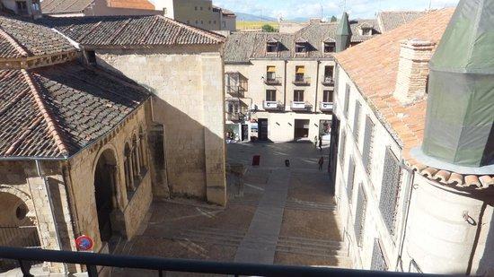 Hotel Condes de Castilla: vista desde una de las ventanas de la habitacion