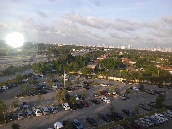 Courtyard by Marriott Miami Airport: view