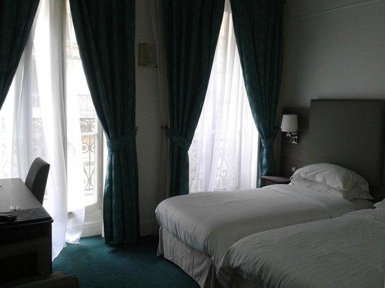 Mayflower Hotel: Camas supercómodas