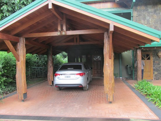 Iguazu Jungle Lodge: garage