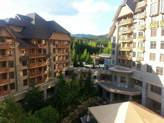 Four Seasons Resort and Residences Whistler : View from our private patio