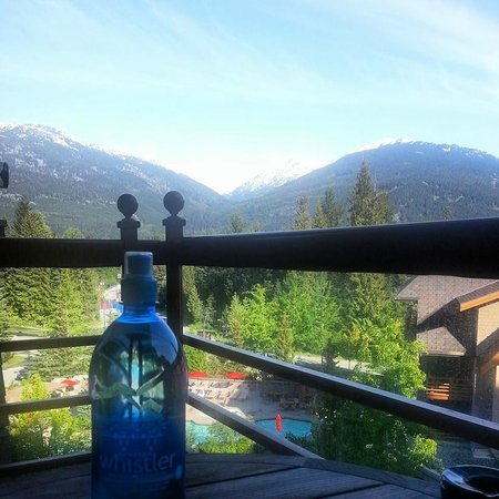 Four Seasons Resort and Residences Whistler: Morning view from our patio