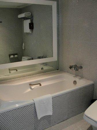 Pullman Bangkok Hotel G : baño