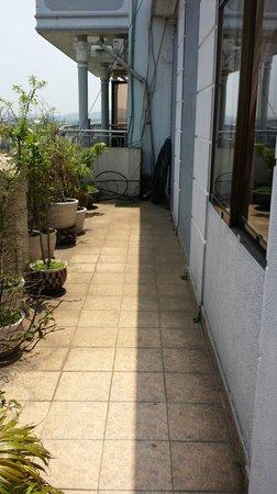 Sunny B Hotel: Balcony Area