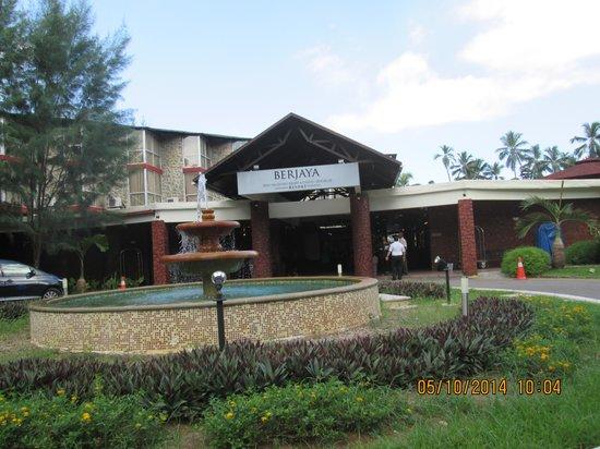 Berjaya Beau Vallon Bay Resort & Casino - Seychelles: Berjaya Beau Vallon front enterence